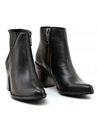 Botki Damskie Calvin Klein Jeans Czarne Skórzane Volise Veg Calf R0520 BLACK