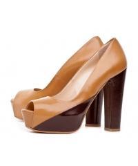 Venezia women's brown caramel leather pumps
