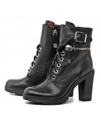 GUESS women's black leather boots